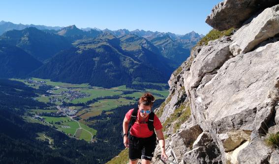 Janine Schotte beim Wandern